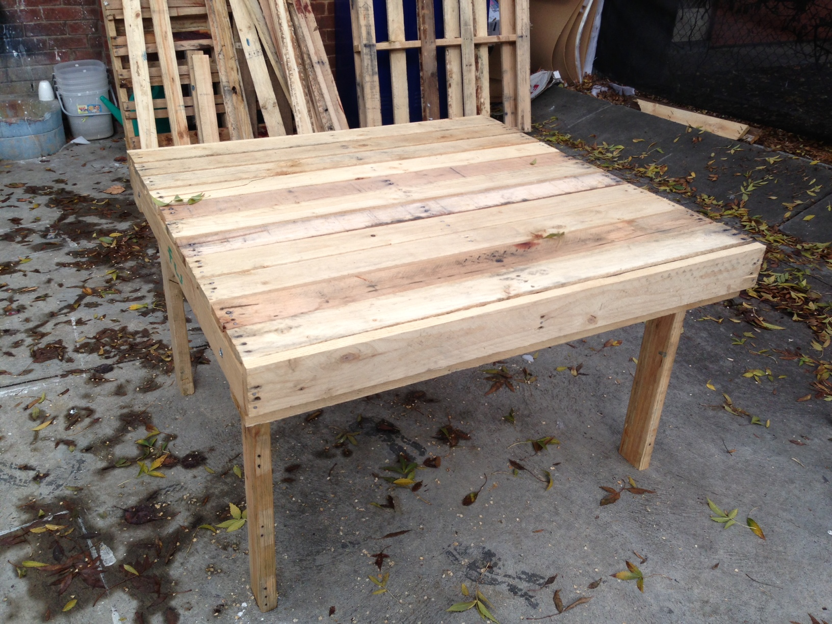 crate table 125 x 125 square